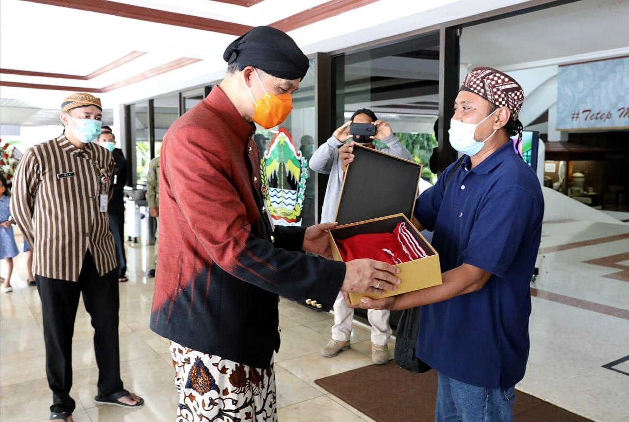 Kado Istimewa untuk Bapak Ganjar Pranowo Dari Mantan Pengikut Noordin M Top di Hari Sumpah Pemuda